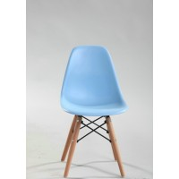 Kids DSW Eames style dining chair