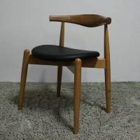 Hans Wegner Style Elbow Horn Chair