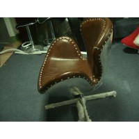 Swan chair with aluminium shell